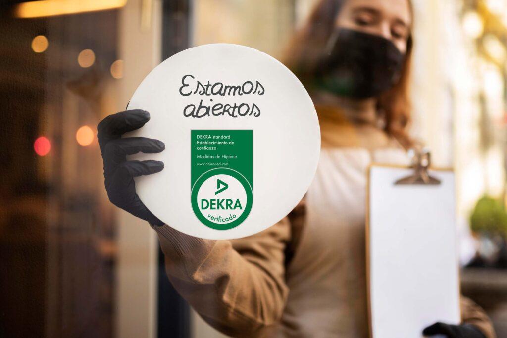 Foto de La certificación DEKRA para garantizar que los negocios